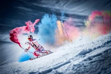 marcel hirscher descente de ski en couleurs