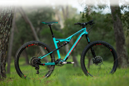 Le VTT Cannondale Habit Carbon SE